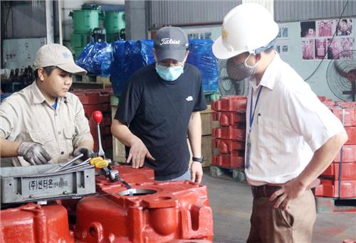Appraising and issuing 184 permits for using foreign employees
